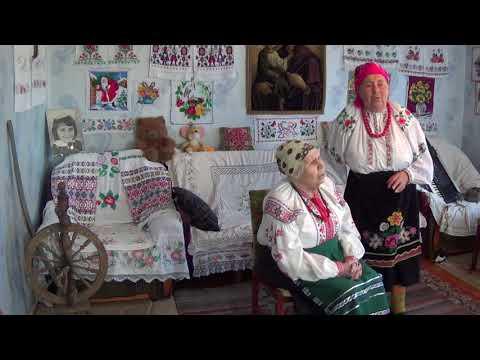Сестри Ліна і Галина Кирилівни Дві дівчини