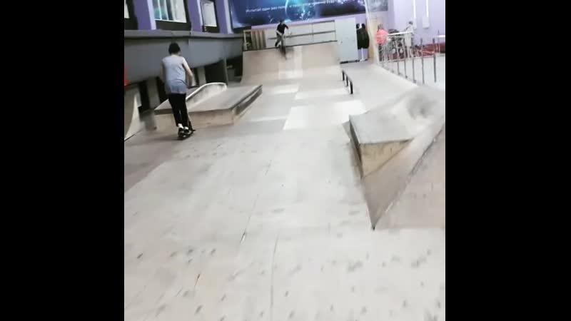 Лайты в скейтпарке