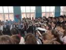 Дети на линейке поют песню про Путина «Дядя Вова, мы с тобой»