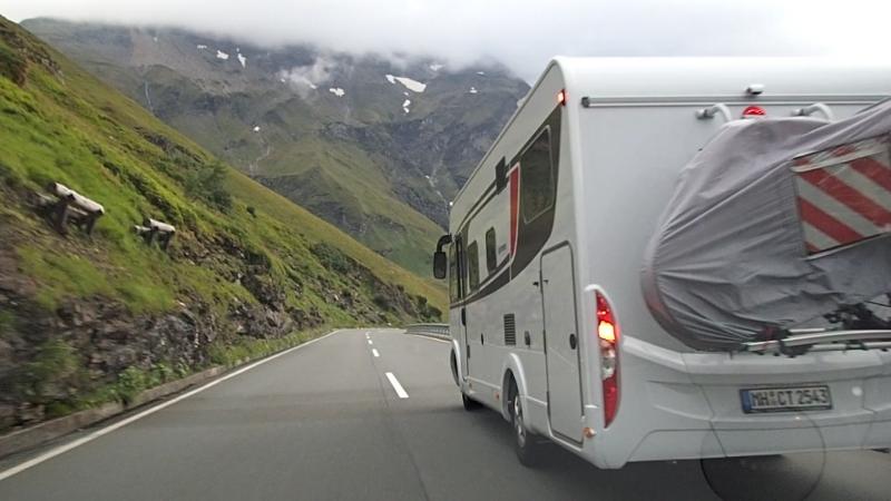 Безопасный обгон на высоте 2000 метров над уровнем моря AUSTRIA 2018