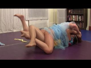 fantasy princess catfight rolling