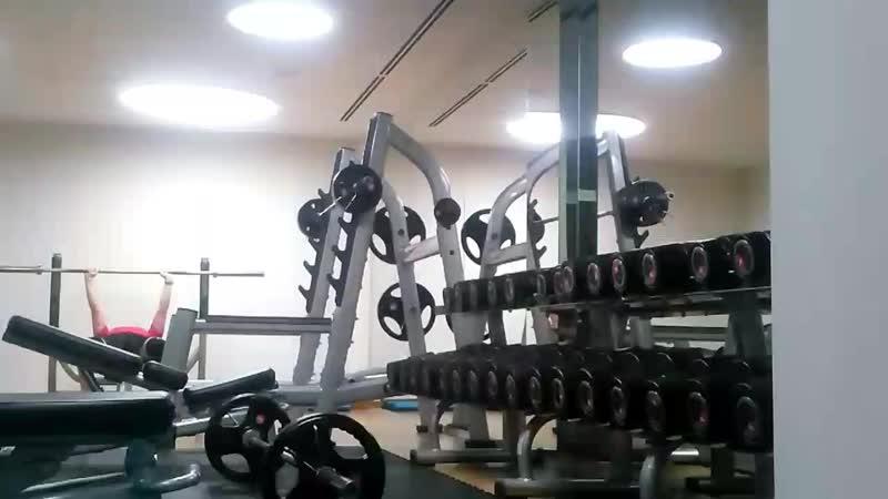 ვარჯიში დილამშვიდობისა კომბინაციაში ჩაჯდომასთან. упражнения доброе утро в комбинации с приседанием. вес на штанге 50 кг.