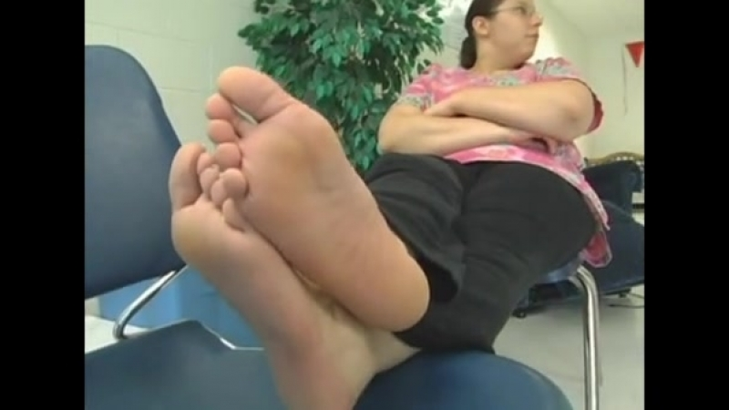 28 year old BBW girl candid huge soles
