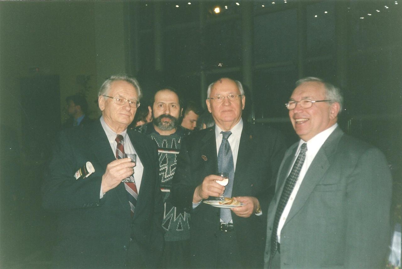 Михаил Сергеевич Горбачев - последний руководитель СССР. Несколько слов ко дню рождения.