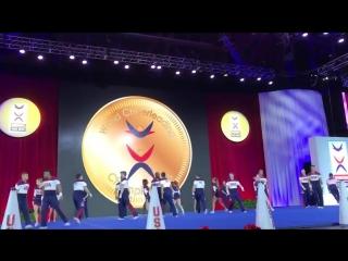 Выступление взрослой чир-микс команды США на чемпионате мира в Орландо