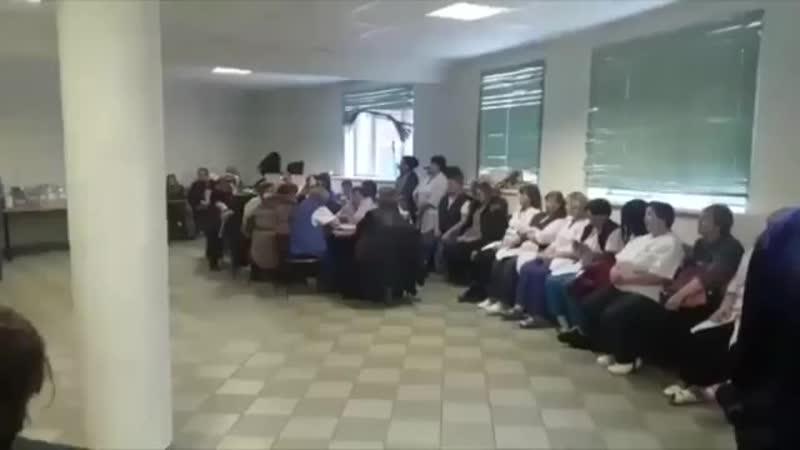 Более 50 работников Хлебозавода Черкизово объявили голодовку и уже третьи сутки они сидят без еды в пустой столовой завода, так