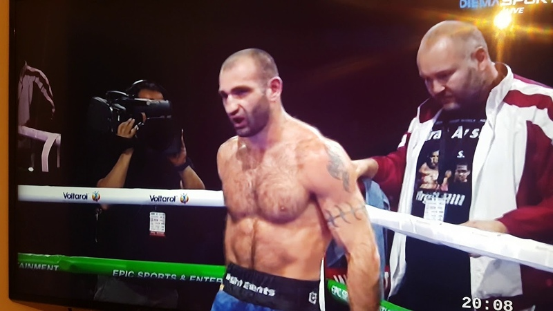 Levan Shonia assaulted his own coach in the fight against Spas Genov