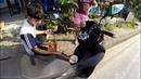 Впечатления от Пхукета заправили байк из бутылок