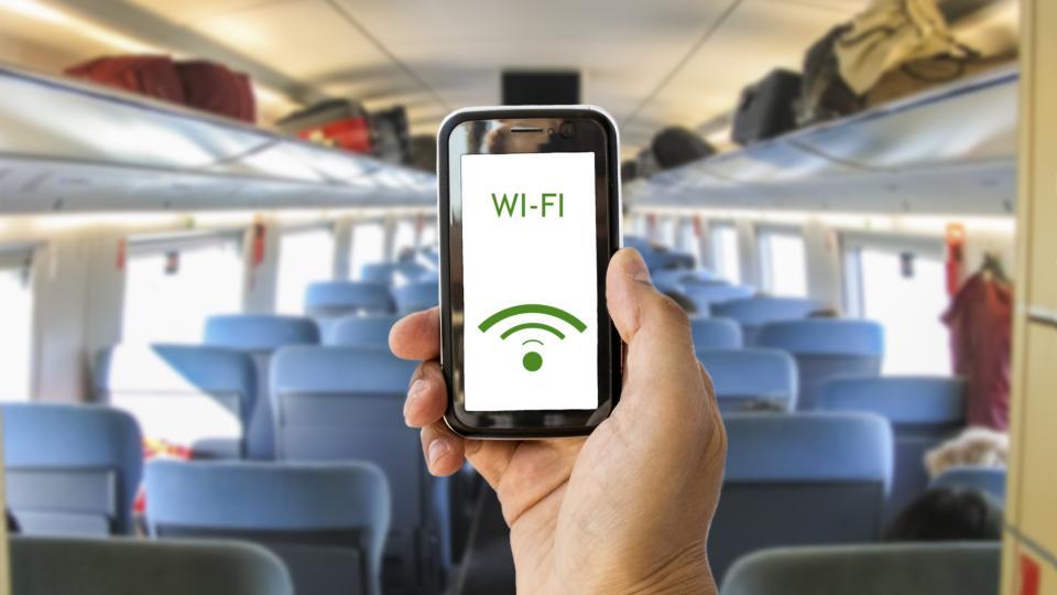 Почему обещанного wi-fi в маршрутках мариупольцы ждут уже три года