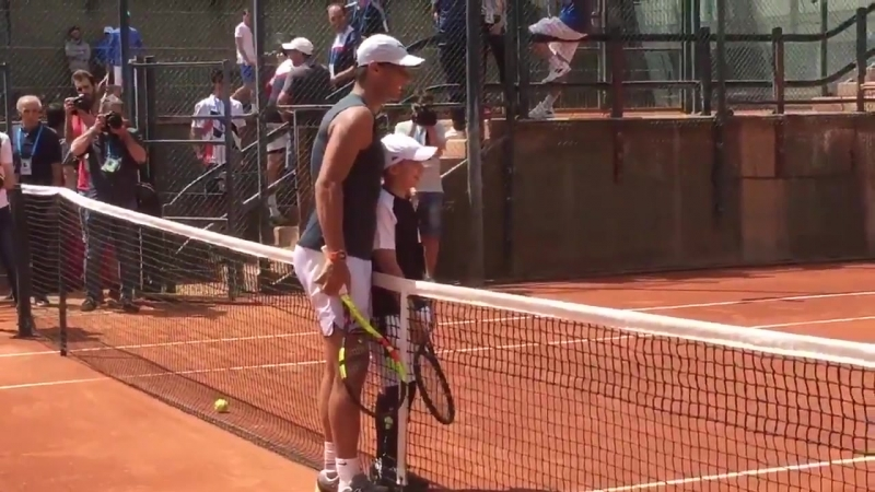 One more video of cancer survivor Marc Krajekian with @RafaelNadal after hitting some ball.mp4