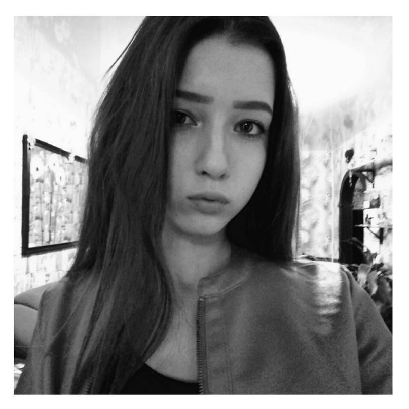 Карина Бурлаченко |