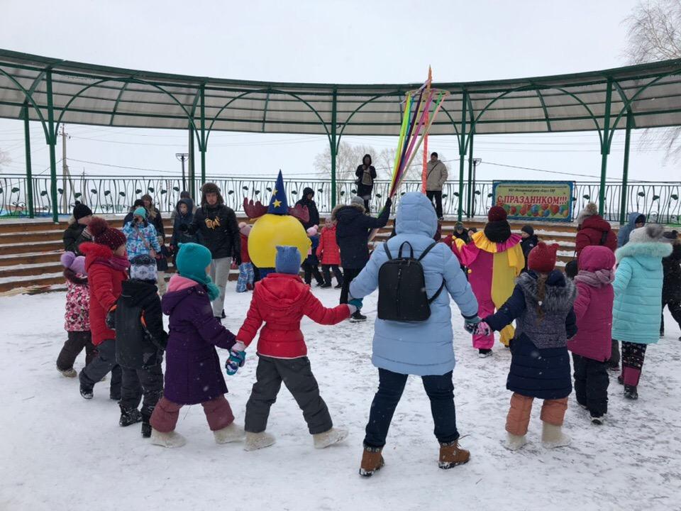 В Пионерском парке 9 марта развернулись настоящие масленичные гулянья!