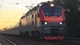 Электровоз ЭП20-024 со скорым поездом