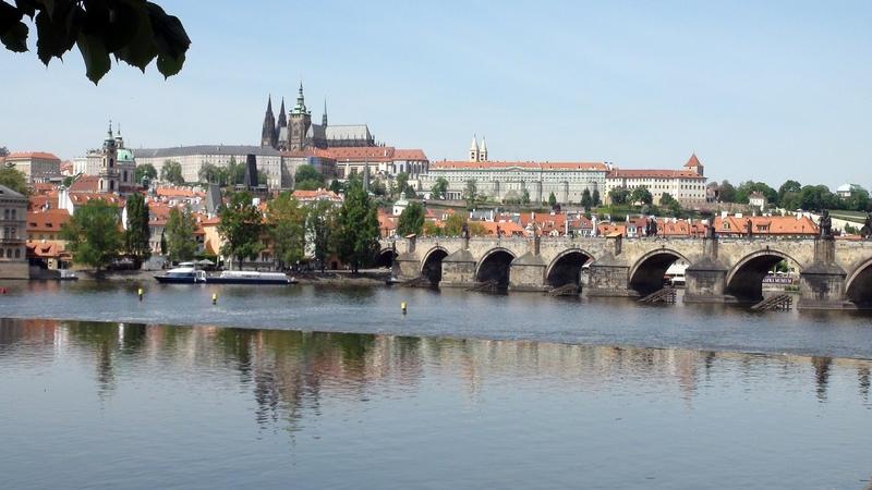 Prague in 4 en 4 za 4 dny en fr cz de pl ru