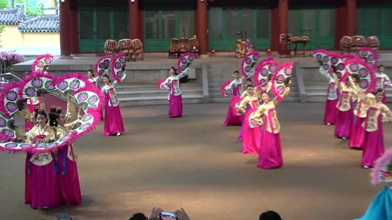 [경기도립무용단]에서만 보여줄 수 있는 화려한 군무 (부채춤)