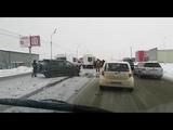 В Южно-сахалинске при столкновении Mitsubishi RVR и Honda Fit пострадали люди