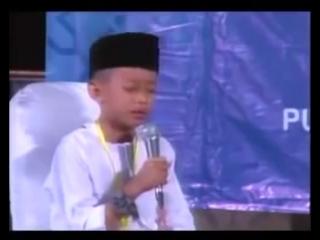 🎤Ребенок красиво читает Коран и плачет 😢  ما شاء الله.mp4