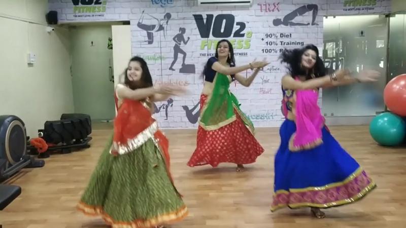 Основные шаги танца Гарба | камария / Гаммамрия | Dholi taro | Лили лемди | Болливуд Гарба | (2018)