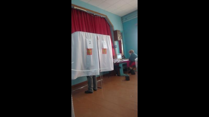 Выборы 2018 - Таисия Ивановна Юркова - первый избиратель в Пронске!20180318_08_00_04_Pro