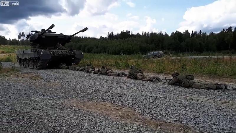 Тренировка на преодоление танкобоязни в финской армии