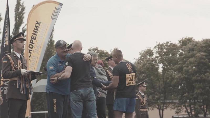 Черкащанин, ветеран полку Азов не потиснув руку Порошенку на врученні нагород змагань Ігри нескорених