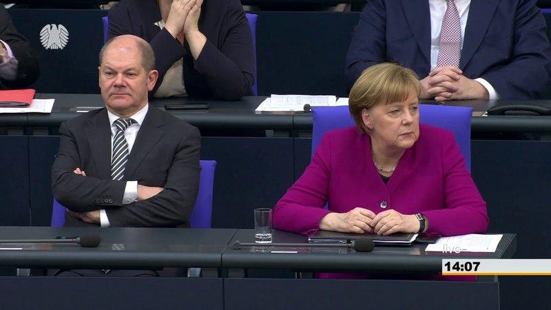 AfD - Dr. Alexander Gauland im Bundestag liest Angela Merkel die Leviten