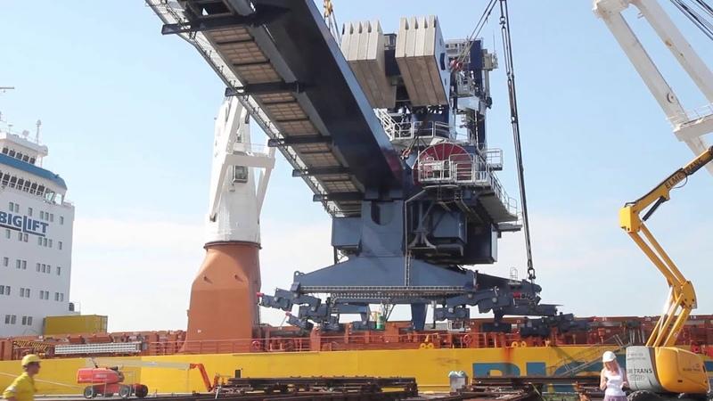 BLRT Grupp Marketex Offshore Constructions produced Cargotec Ship Unloader