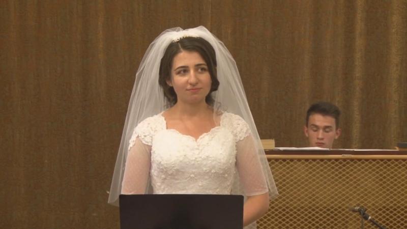Может быть мне не нужно Невеста поет жениху