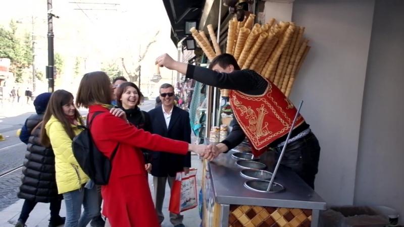 Мороженщик в Стамбуле
