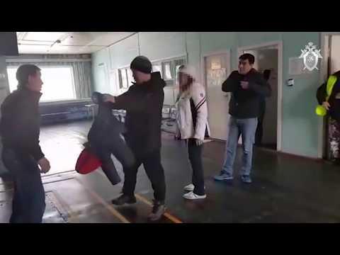 В Якутии мужчина хотел пройти в самолет с огнестрельным оружием