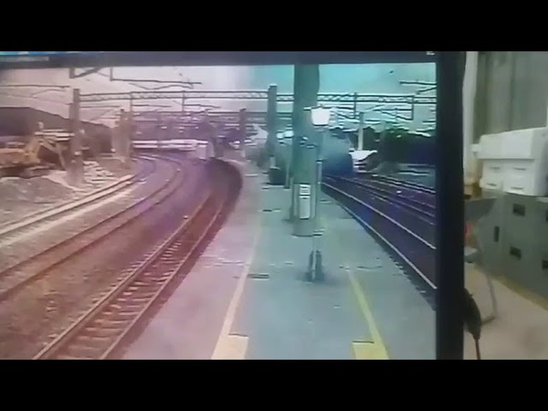 Video of Moment Puyuma Train Falls off Rails in Yilan, Taiwan