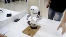 Я в шоке Робот алкоголик Выставка роботов
