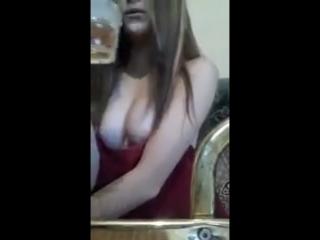 sokolova_k малолетка показывает сиськи в перископе 2018