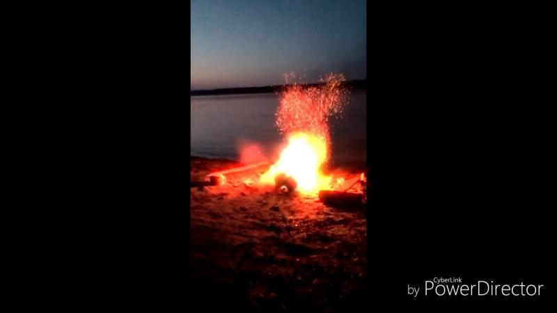 взрыв_в_темноте_HD.mp4