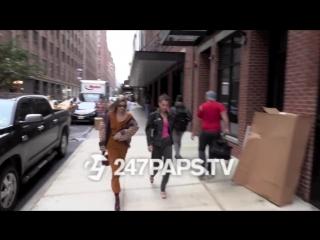Белла и Джиджи прибывают на фотосессию, Нью-Йорк (11.09.18)