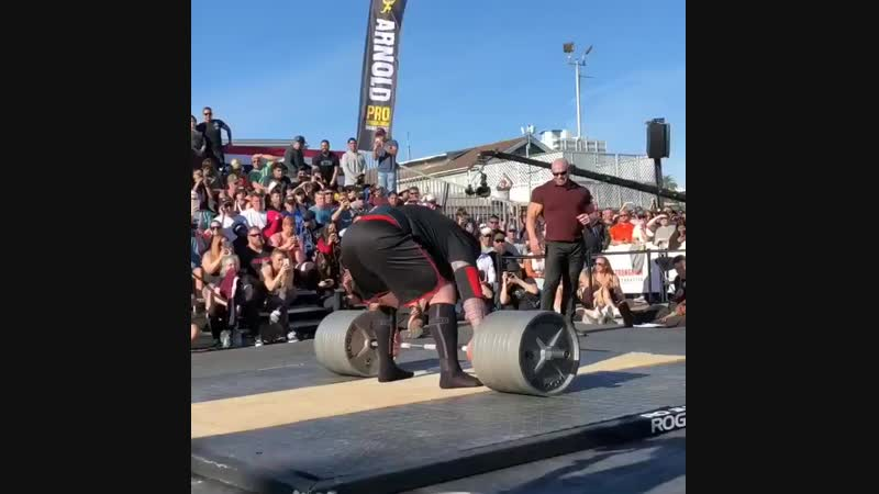 Джерри Притчетт тянет 950 фунтов на Arnold Strongman USA