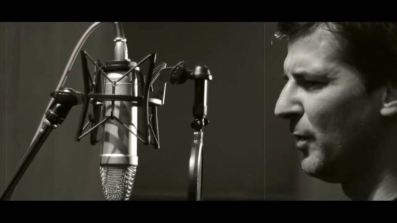 Ένα παλικάρι 20 χρονών - Νίκος Στρατάκης (Official Video Clip)