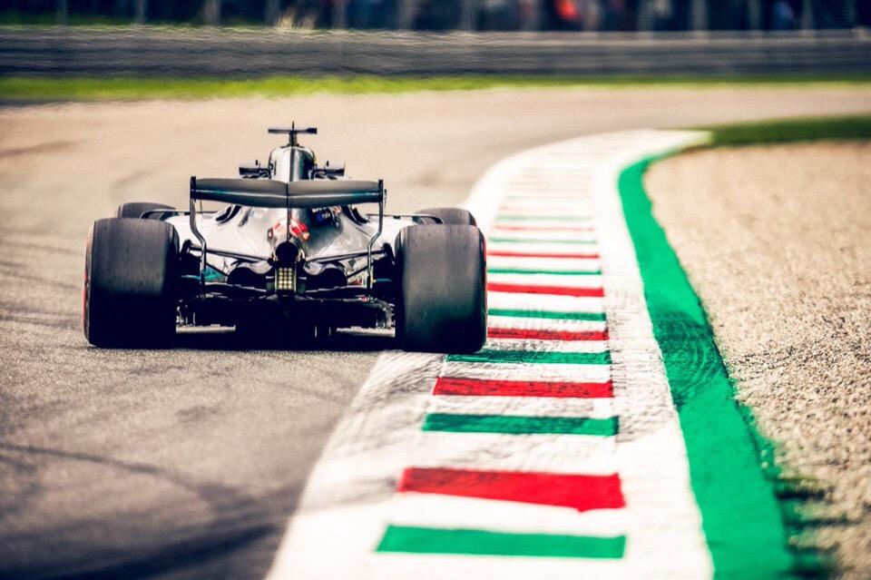 Mercedes отрывается от Ferrari в кубке конструкторов Формулы-1 после гран-при Италии 2018 года