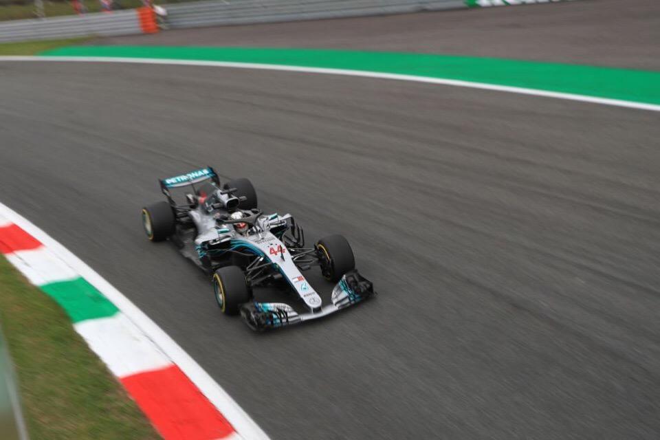 Льюис Хэмилтон - лидер чемпионата мира по Формуле-1 после гран-при Италии 2018 года