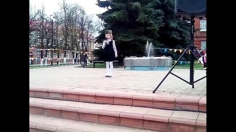 На конкурсе Пою мое отечество.Стихотворение Россиюшка.Акименко Вероника