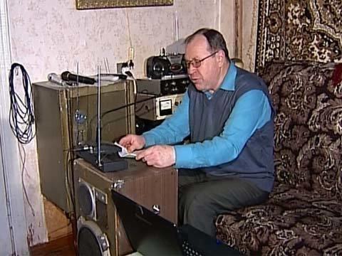 Вбрянской деревне Павличи энтузиаст создал радиостанцию местного значения Новости Первый канал