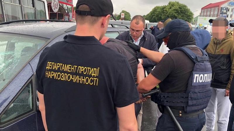 На Закарпатті у результаті спецоперації затримано групу наркозбувачів