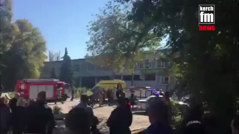 Взрыв произошел в столовой колледжа, именно поэтому там так много жертв. Перевозить пострадавших помогают обычные автобусы. На д
