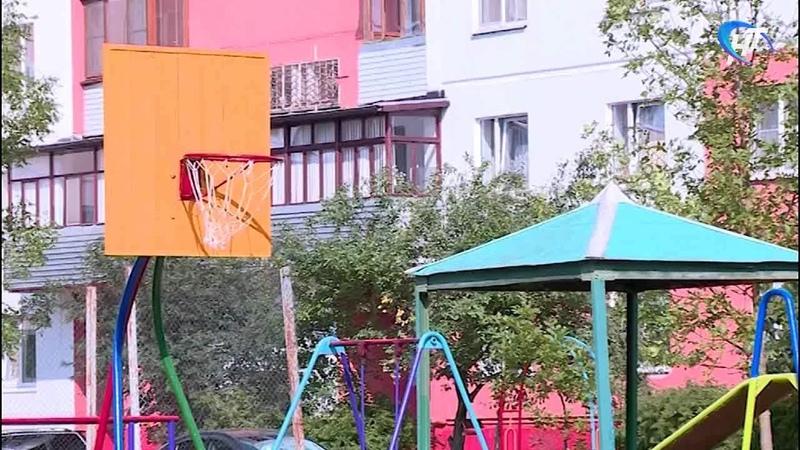 Председатель ТСЖ Александр Пономаренко готовит День дворового спорта на Державина 11