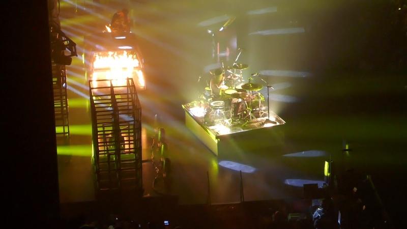 Twenty One Pilots 'Levitate' in Concert LA CA 11 10 2018 Bandito Tour