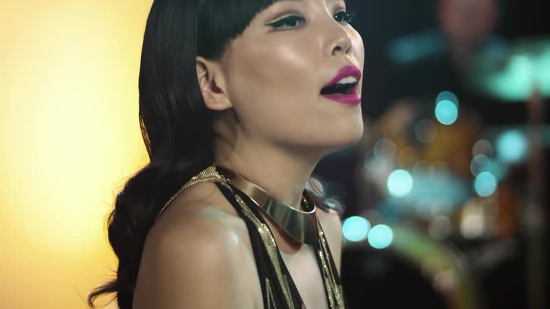 Dami Im - Theres a Kind of Hush (All Over the World) (3)