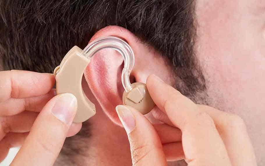 Современные слуховые аппараты для человека