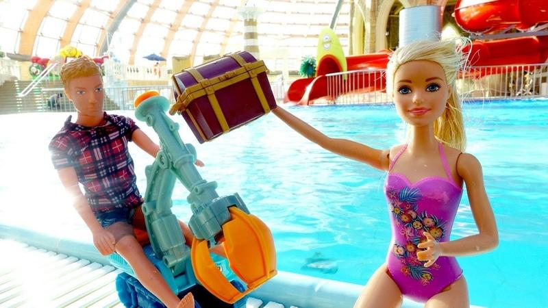 Giochi per bambini. Barbie al parco acquatico. Giocattoli educativi nuovi episodi