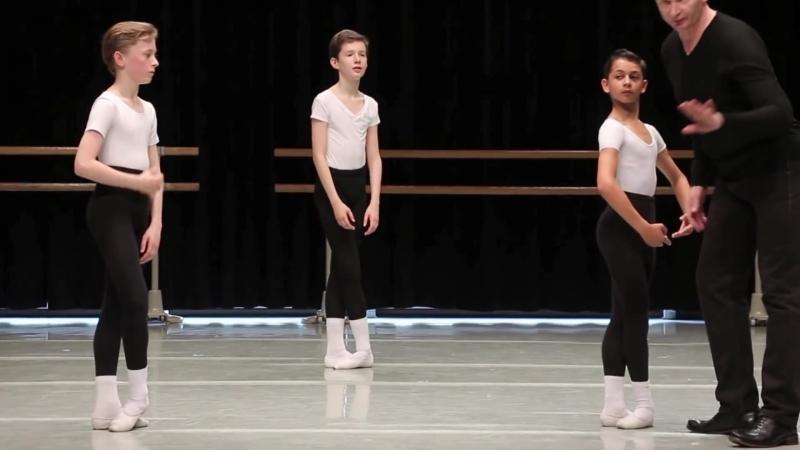 "Danse classique - milieu, sauts _⁄ garçons 12-13 ans _⁄ ballet boys 2""},""url"" """