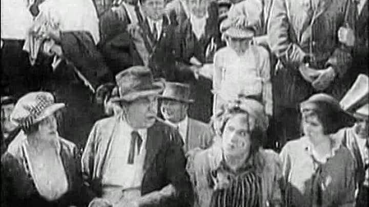 Беспокойный день / A Busy Day [1914]